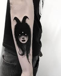 мрачные чёрно белые татуировки которые пугают и завораживают