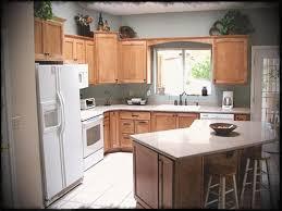 kitchen island designs. Small Shaped Kitchen Remodel Ideas With Island Design Chiefs Cooking Medium Kitchens Center Seating Planning Designs K