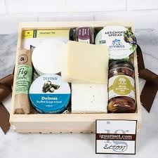 amazon authentic flavors of greece gift basket 3 7 pound gourmet snacks and hors doeuvres gifts grocery gourmet food