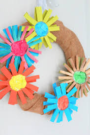 Diy Paper Flower Wreath Diy Paper Flower Wreath From Paper Tubes