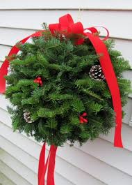 Christmas Wreath - Christmas Kissing Ball