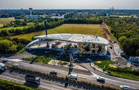 Inaugurata l'avveniristica tecnologica stazione di Q8 a Paderno Dugnano  (Milano) - QN Motori