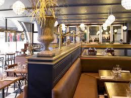 la brerie centrale vous accueille dans un cadre typique des années 1930 revivez cette belle époque au travers de plats français authentiques et généreux