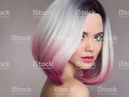 オンブル ボブ短い髪型美しい髪色の女性ファッションのトレンディなヘア