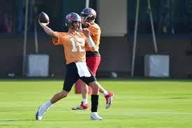 Tom Brady throws and plays catch with ...