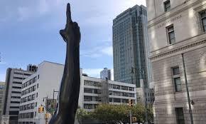 Rätselraten Um Bedeutung Arm Statue In New York Sorgt Für