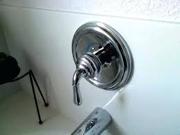 how to remove a bathtub faucet replace bathtub faucet replacing bathtub faucet cartridge incredible how to how to remove a bathtub faucet