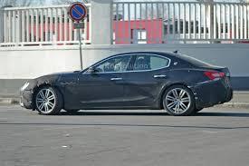 2018 maserati sports car. beautiful car spyshots 2018 maserati ghibli facelift gets new grille for maserati sports car