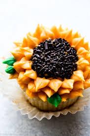 how to pipe sunflowers onto cupcakes sunflower cupcakes recipe on sallysbakingaddiction