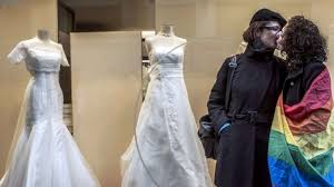 <b>New</b> Zealand legalises same-<b>sex</b> marriage - BBC News