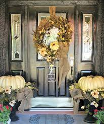 front door decor67 Cute And Inviting Fall Front Door Dcor Ideas  DigsDigs