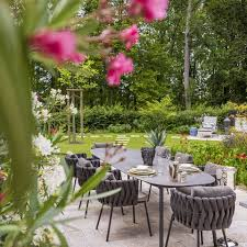 Cozy swing chairs garden ideas Ruth House Beautiful 14 Garden Design Ideas To Make The Best Of Your Outdoor Space
