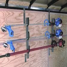 3 place enclosed trimmer rack br