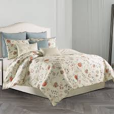 bring the beauty of nature into your bedroom with the lovely wedgwood pashmina duvet cover set the beautiful bedding features a delicately rendered fl
