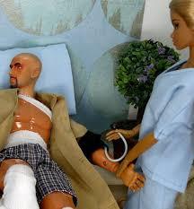 Resultado de imagen para barbie en el hospital