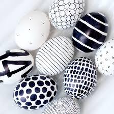 Resultado de imaxes para huevos de pascua pintados con rotuladores