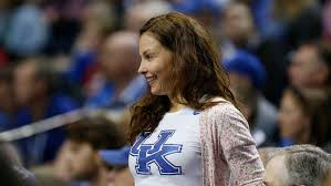 ashley judd pens essay about rape threats and online violence ashley judd pens essay about rape threats and online violence kiss my ass hollywood reporter