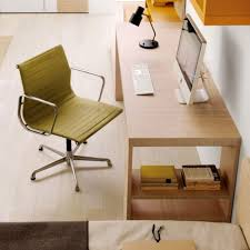 Creative DIY Computer Desk Design : Creative DIY Computer Desk Design With  Natural Wooden Desk And Green Chair Design