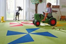 Die kinder sollten bei design und farbe mitentscheiden können. Der Richtige Bodenbelag Furs Kinderzimmer Livvi De