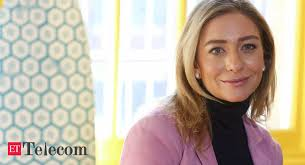Bumble, the dating app where women make the first move, is targeting to raise as. Nvhjg8fc4uvy4m