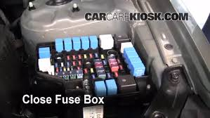 replace a fuse 2007 2012 hyundai santa fe 2009 hyundai santa fe 6 replace cover secure the cover and test component