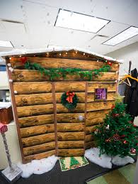 simple office christmas decorations fresh work cubicle turned into a christmas log cabin made out of