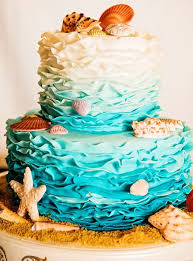 15 Stunning Wedding Cakes To Steal The Spotlight