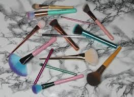 if you re choosing to free makeup then you re going to want to make sure that the tools you apply it with are free too