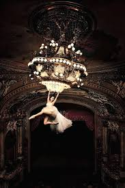 i want to swing from the chandelier gonna swing from the chandelier here to share