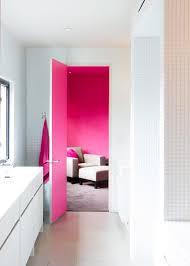 Reasons to Love Retro Pink-Tiled Bathrooms   HGTV\u0027s Decorating ...