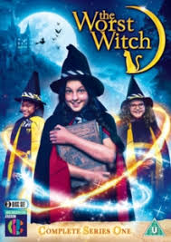 Game of thrones actress bella ramsey and downton abbey's raquel cassidy star in the magical children's series. The Worst Witch Complete Series 1 Starring Bella Ramsey 5060352303735 Brownsbfs