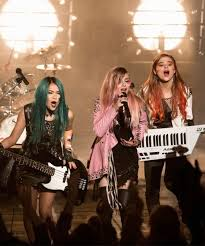beauty secrets we learned from jem and the holograms