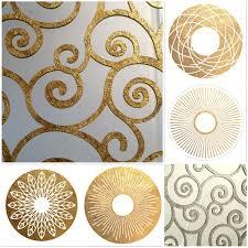 <b>Зеркало</b> в <b>круглой золотой</b> раме с цветочным рисунком
