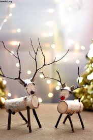 amazon outdoor christmas reindeer family 3 set 220 lights 52 christmas deer decorations indoor
