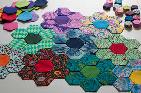 Lynn Carson Harris: Needle and Thread & I was also compelled to try some hexies in the 1/2 inch size. They are so  cute. I don't think I'll be making a whole quilt from them but they will be  ... Adamdwight.com