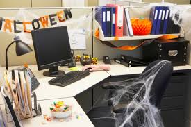 office halloween decor. Office Desk Decorating Ideas With Halloween Decoration For The IdealHomeGarden Decor