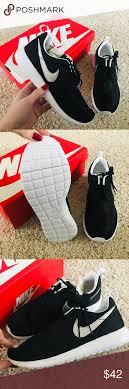 New Nike Roshe One Running Shoes Brand New Never Worn Nike