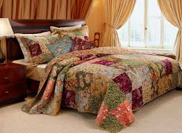 How To Choose And Use Quilt Bedding | Trina Turk Bedding & best quilt bedding reviews Adamdwight.com