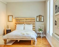 Wooden-Pallet-Bed-Ideas-7 (2)