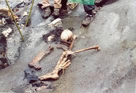 Roopkund, el lago de los esqueletos Images?q=tbn:ANd9GcS-vd_wWeJeqkXAxomW1zIAGlvD1Xm-0yqSiKnzBoOrBFbhQlskaA