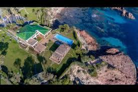 villa a pied dans l eau