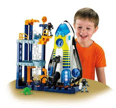 Fisher-Price Space Shuttle and Tower (US$300 Sale Price) 10 Cool Gifts for Girls Boys Ages 4-6 (2015 Edition)