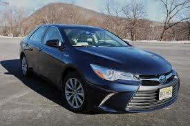 2017 toyota camry hybrid xle blue front right