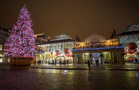 ... year in London; this year, the city's Christmas decorations are looking  fantastic. Here's a round-up of some of the best Christmas trees in town,  ...