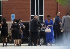 Bobbi Kristina Brown funeral draws ...