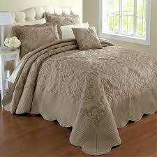 medium size of bedspread flip flop bedspreads silk bedspreads quilts bedspreads for boys bedspreads for king