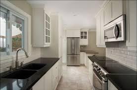 kitchen backsplash white cabinets black countertop30 countertop