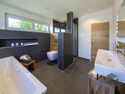 Zimmertür Mit Weißem Türstock Zimmertüren Badezimmerideen
