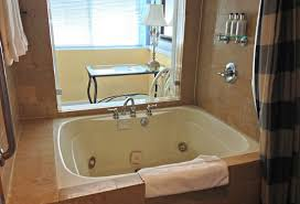 images of jacuzzi tubs in hotel rooms in los angeles