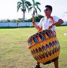 Kabarnya penyebaran alat musik rebana ini datang bersamaan dengan suku melayu. Dol Alat Musik Bengkulu Yang Gemanya Mendunia Cerita Wisata